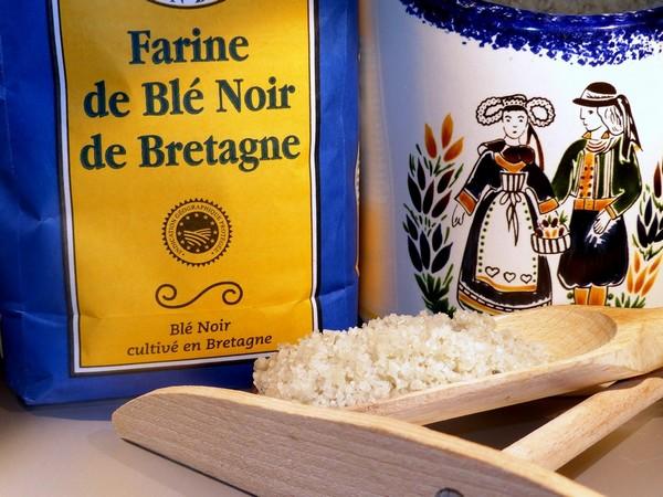 Preparation galette bretonne au sarrasin ou blé noir