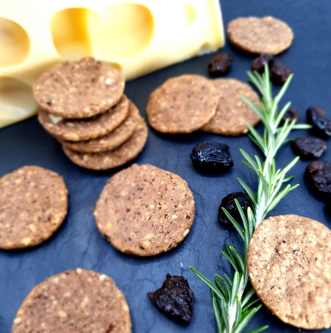 Biscuits apéro aux olives noires et Emmental de Savoie IGP